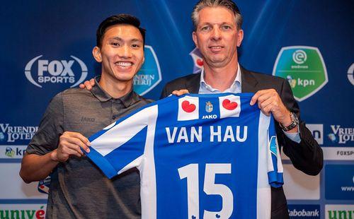 Từ chối HLV Park Hang-seo, Heerenveen đưa Đoàn Văn Hậu sang Tây Ban Nha