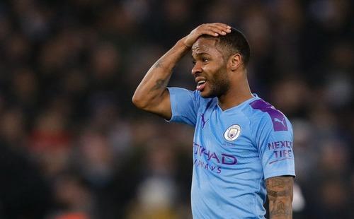 Thua ngược dù dẫn 2-0, Manchester City giương cờ trắng trong cuộc đua vô địch Ngoại hạng Anh