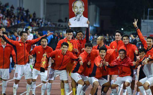 Thập kỷ mới và những kịch bản điên rồ của bóng đá thế giới: Việt Nam vào bán kết World Cup, Messi thua con trai Ronaldo ở chung kết cúp thế giới 2026