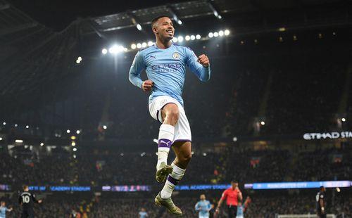 Bất chấp nỗi ám ánh VAR, Man City vẫn hạ gục Everton để tiếp tục nuôi hy vọng bám đuổi Liverpool