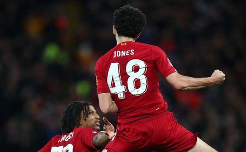 Hot boy Nhật Bản Minamino đá trận ra mắt ở đội bóng mạnh nhất thế giới, siêu phẩm cứa lòng tuyệt đẹp giúp Liverpool đánh bại