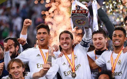 Đồng đội cũ của Ronaldo bị tố