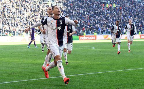 Cristiano Ronaldo 35 hay 25 tuổi?