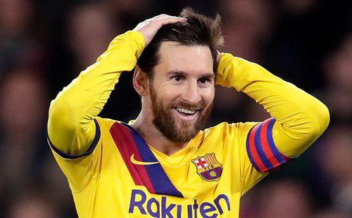 Messi lập hat-trick kiến tạo, Barcelona ngược dòng hú vía trong trận cầu có tới 2 thẻ đỏ