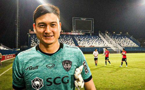 Văn Lâm lọt khoảnh khắc xuất sắc dù Muangthong thua trận mở màn Thai League 1 năm 2020