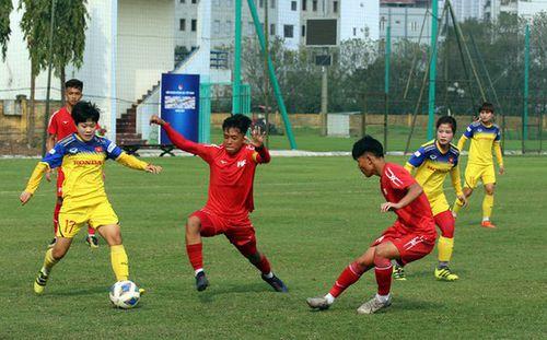 ĐT nữ Việt Nam thua trận tập huấn đầu tiên