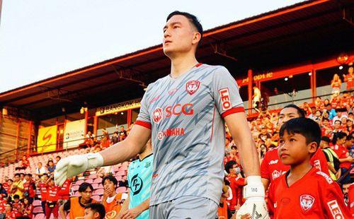Phản đối thi đấu không khán giả vì thất thu, các CLB Thái Lan