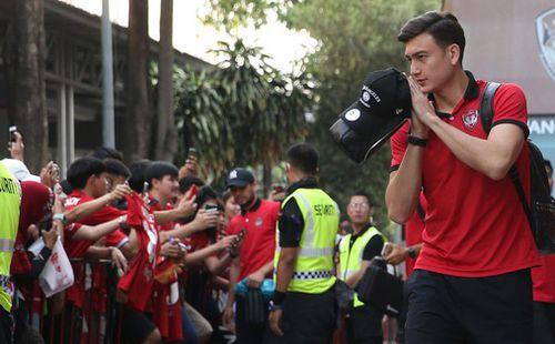 Người hâm mộ Muangthong United công khai kêu gọi đưa Văn Lâm lên băng ghế dự bị sau khi đội nhà sạch lưới 2 trận