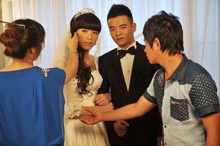 """3 đám cưới đồng tính gây """"náo loạn"""" Trung Quốc 17"""