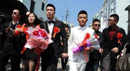 """3 đám cưới đồng tính gây """"náo loạn"""" Trung Quốc 10"""