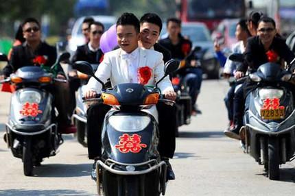"""3 đám cưới đồng tính gây """"náo loạn"""" Trung Quốc 14"""