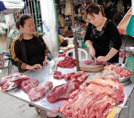 Bác sĩ thú y hướng dẫn cách chọn thịt bò tươi trong ngày Tết 1