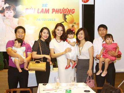 Lễ thôi nôi ấm cúng của con gái HH Trần Thị Quỳnh 9