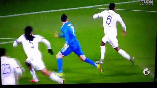 Chứng kiến đội nhà sắp toang, Ronaldo quyết định