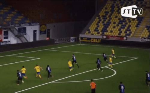 Ghi bàn cho U21 Sint Truidense, Công Phượng vẫn không được
