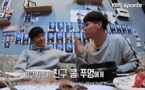 Hội bạn thân cùng phòng: Khoảnh khắc Công Phượng hôn gió anh chàng Hàn Quốc gây ấn tượng