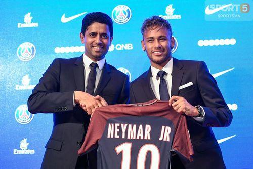 Tròn 1 năm ngày Neymar gia nhập PSG: Cả thế giới đảo điên trong vòng xoáy kim tiền