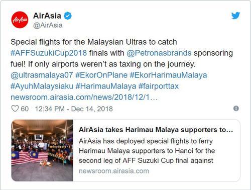 CĐV Malaysia lái xe trọn 1 ngày để đến Việt Nam cổ vũ đội nhà